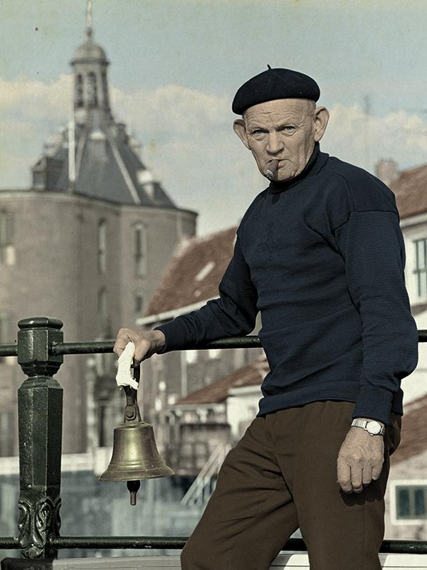 """Stadsomroeper Karel """"de Kat"""" Buis - Foto H. Bedijs"""